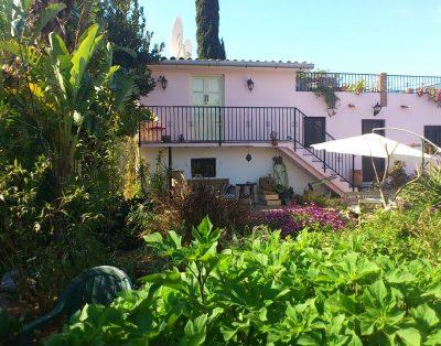 Casa Pequeña: Pretty cottage-style villa